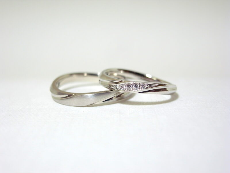 プリジュ マリッジリング 結婚指輪 ピンクゴールド プラチナ ヘアライン加工 つや消し